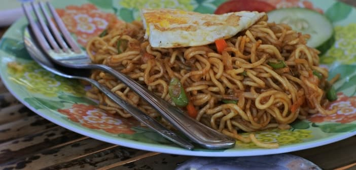 veg hakka noodles for kids