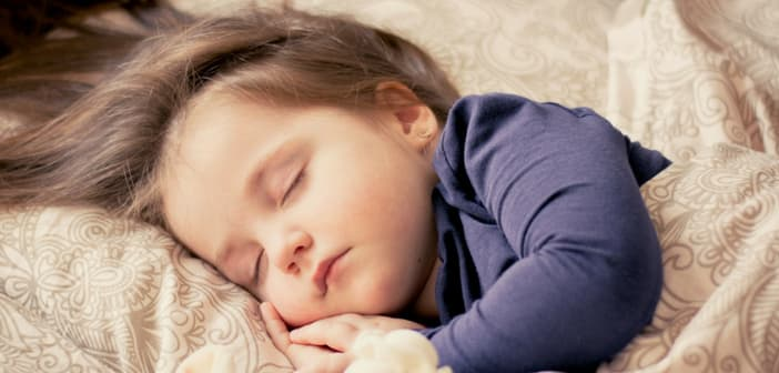When Is The Right Time To Introduce Pillow To Your Child  df3ae5e6c